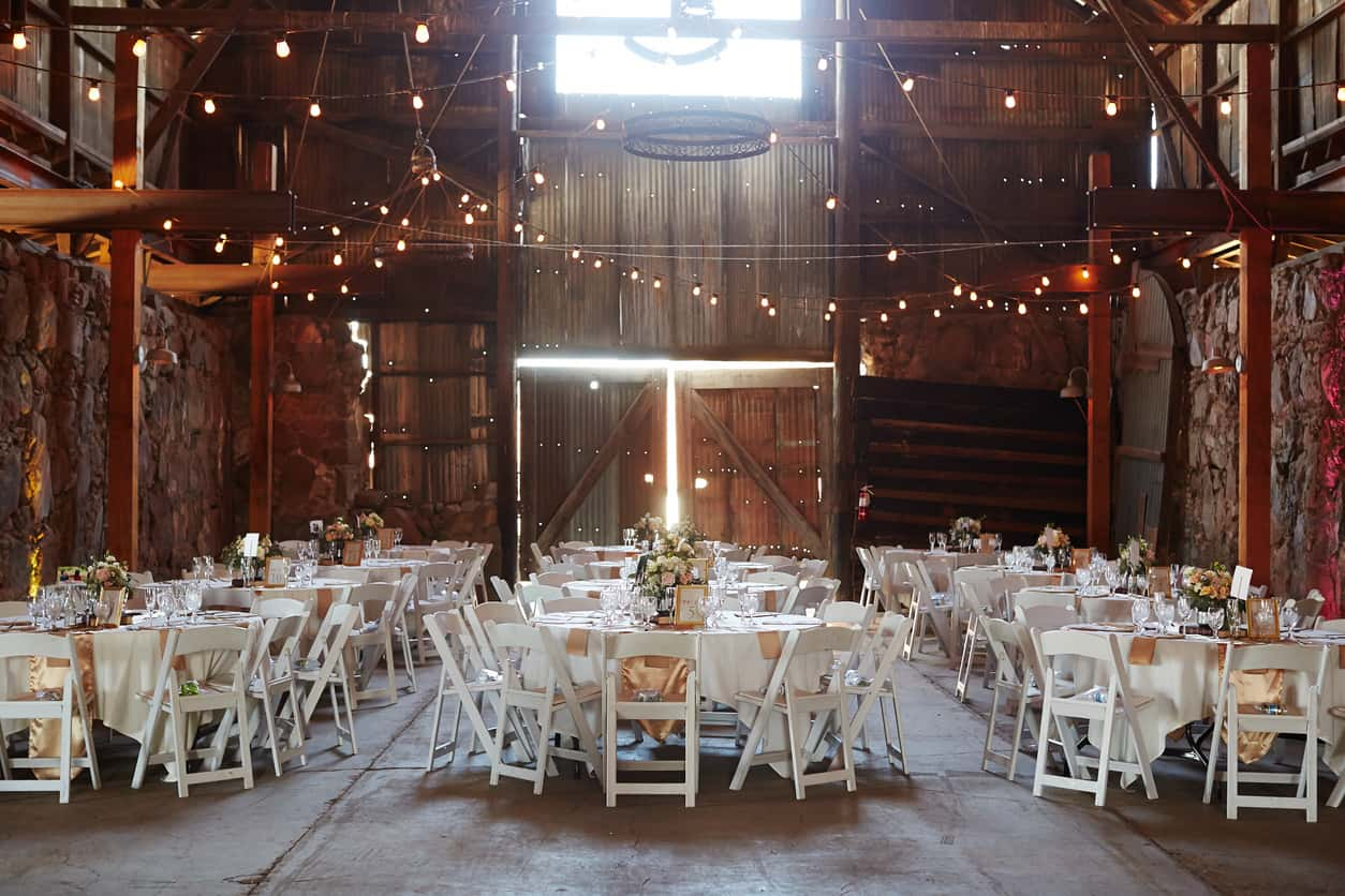 barn wedding trends