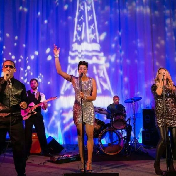 Dwanna Hughes & Prime Time Band : Wedding Reception Band