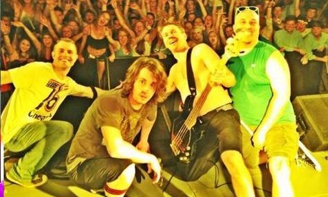 Funky Monks Red Hot Chili Peppers Tribute : College Tribute Band