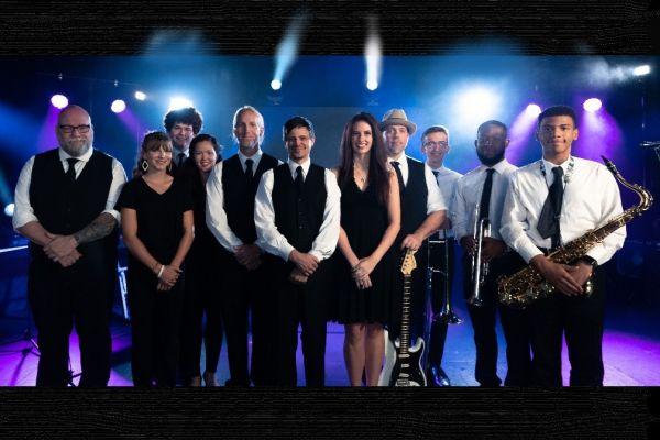 Fly By Radio : Live Wedding Band