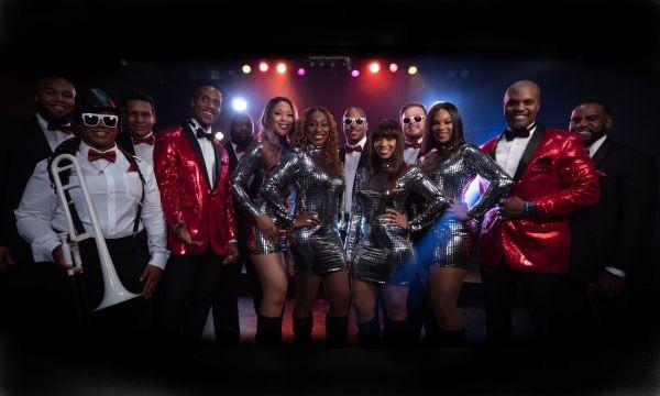 Main Attraction : Dance Band