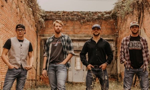 Smith Distillery : Country Rock Bands
