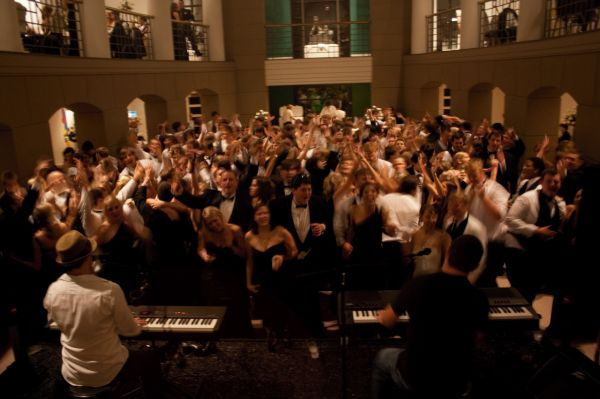Dueling Pianos : Wedding Reception Bands