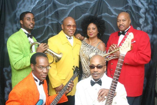 Heart to Heart : Atlanta Wedding Bands Motown